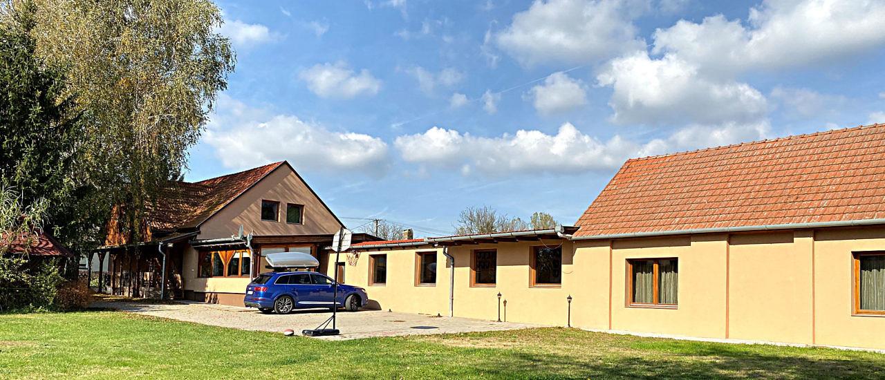 Pension/jagershuis ook geschikt voor evenementen, communautaire programma's  € 297.000